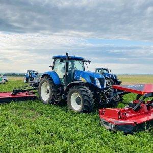 Трактор New Holland T7060, косилка триплекс Kongskilde GXS Triple