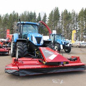 Трактор New Holland T7060 универсальный, компактный, надежный в Кирове