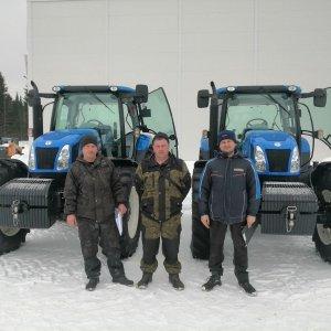 Операторы T6050 со своими новыми машинами